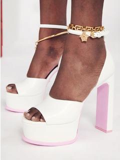 2021春夏Versace女鞋凉鞋T台